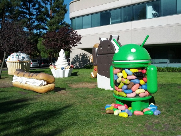 Android (Jelly Bean statue in front yard 001)
