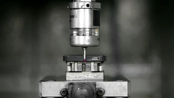 iPhone 5 (manufacturing process 001)