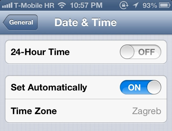do iphones automatically change time zones does your iphone 5 the time shifting bug 18380