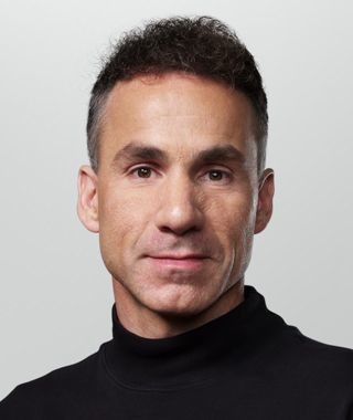 Dan Riccio (Apple PR headshots)