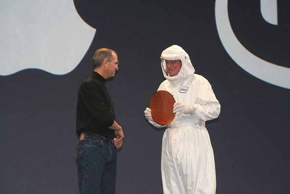 Paul Otellini and Steve Jobs (Intel wafer)
