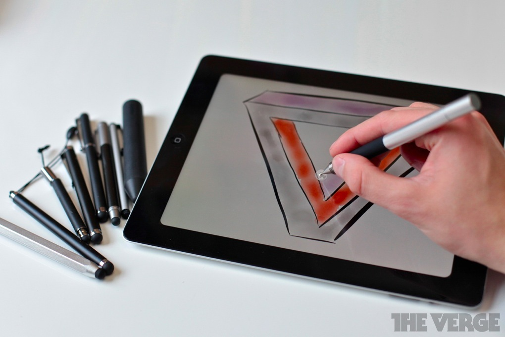 Wacom stylus iPad (The Verge 001)