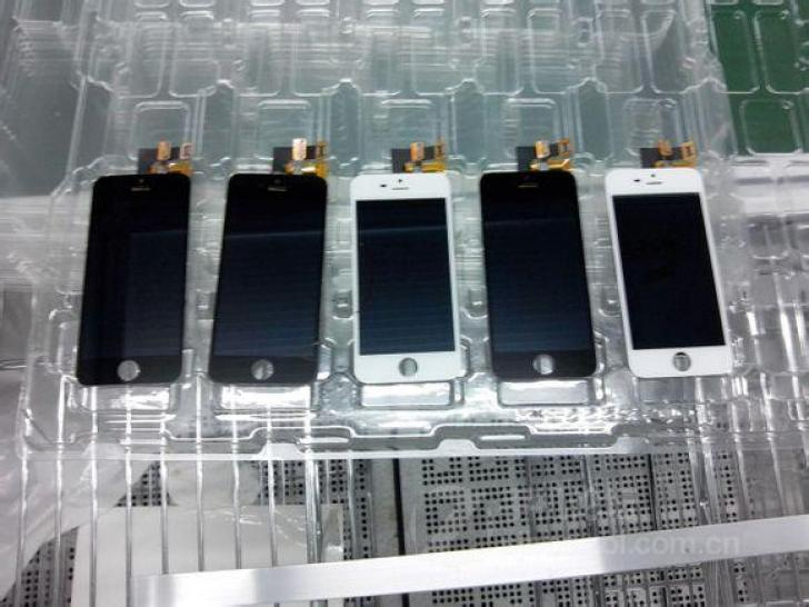 iPhone 5S assembly line (image 004)