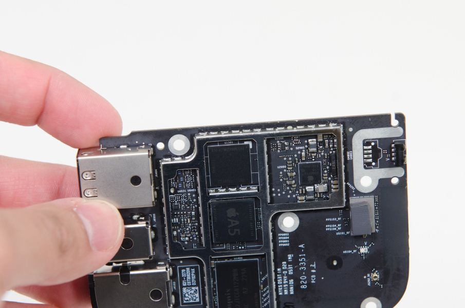 Apple TV (A1469 motherboard in hand)