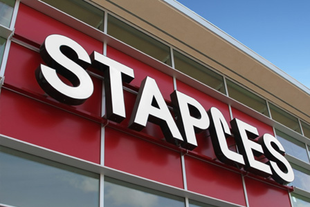 Staples store (sign closeup 001)