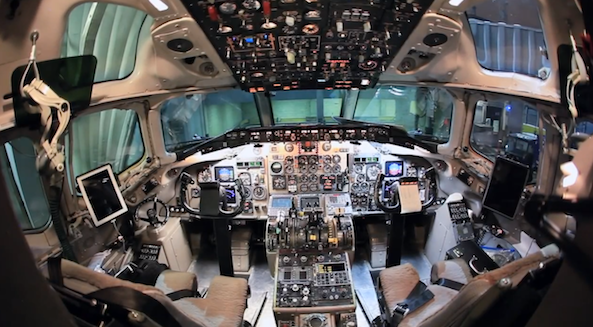 JetBlue picks iPads for airline pilots