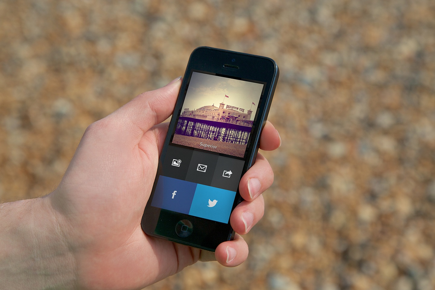 Analog Camera 1.0 for iOS (Lifestyle, Image View)