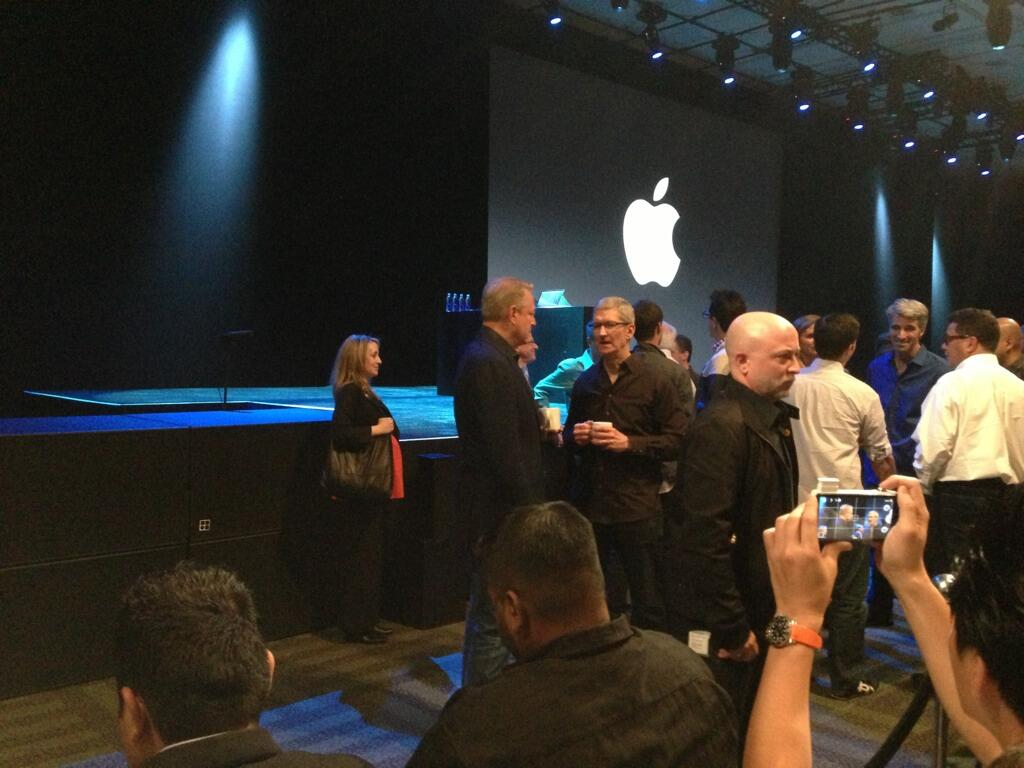 Tim Cook and Al Gore at WWDC 2013