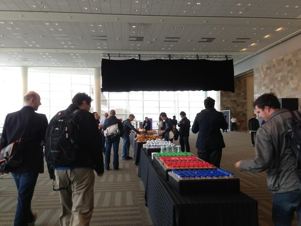 WWDC 2013 (black banner 002)