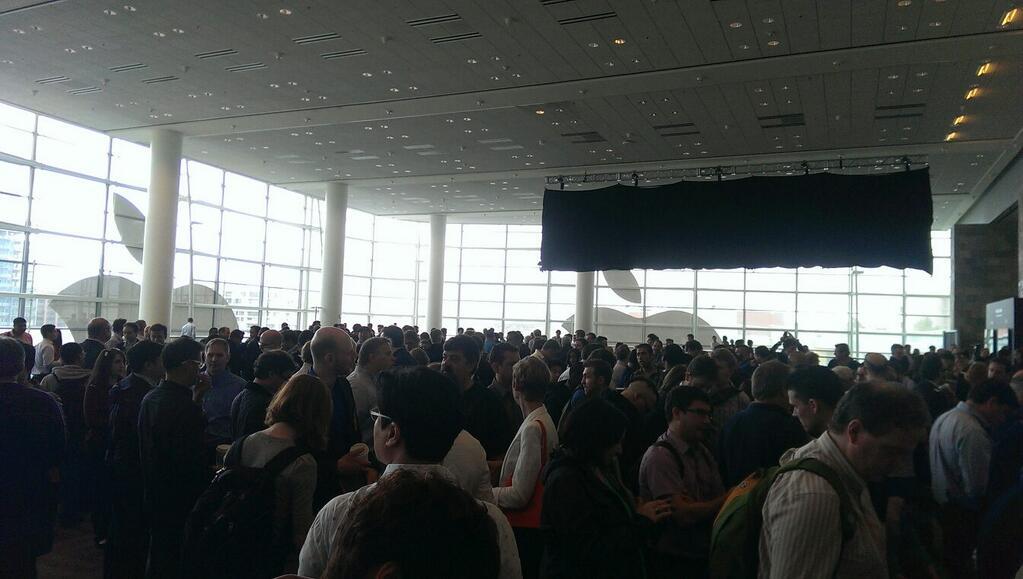 WWDC 2013 crowd inside