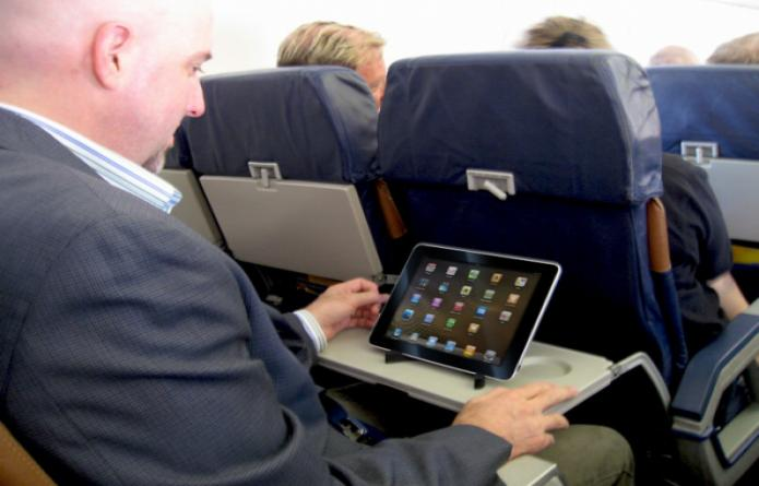 airplane-tablet