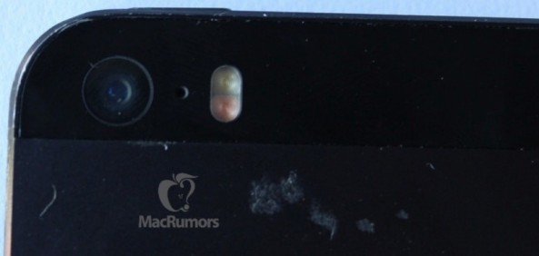 iPhone 5S (dual LED flash, MacRumors 001)