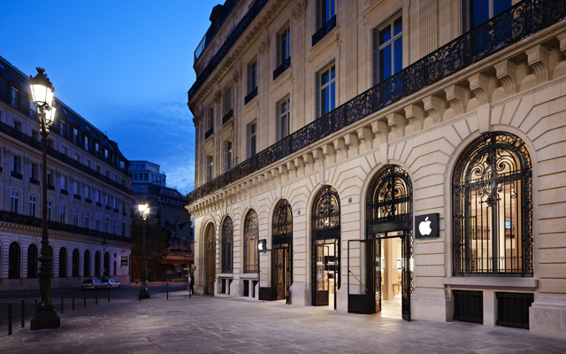Apple Store (France, Paris, Opera exterior 001)