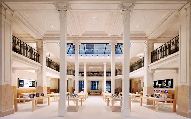 Apple Store (France, Paris, Opera interior 001)