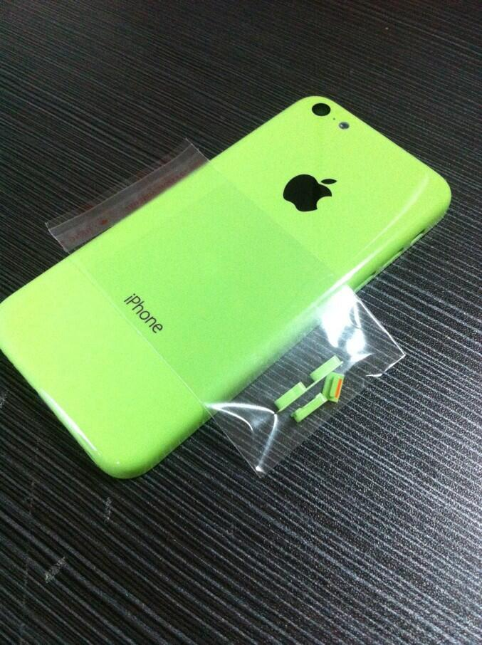Budget iPhone (green, buttons, Sonny Dickson 004)