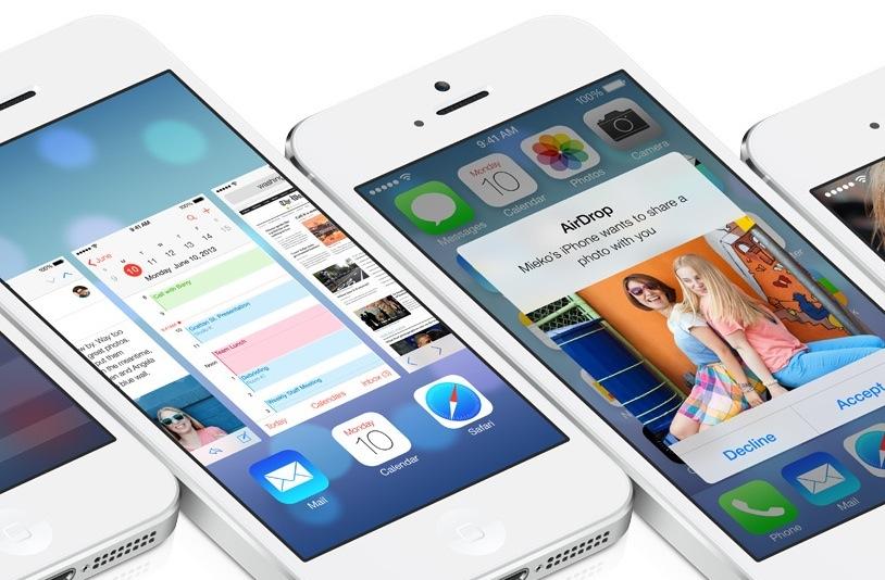 iOS 7 (multiple iPhones, flat 002)