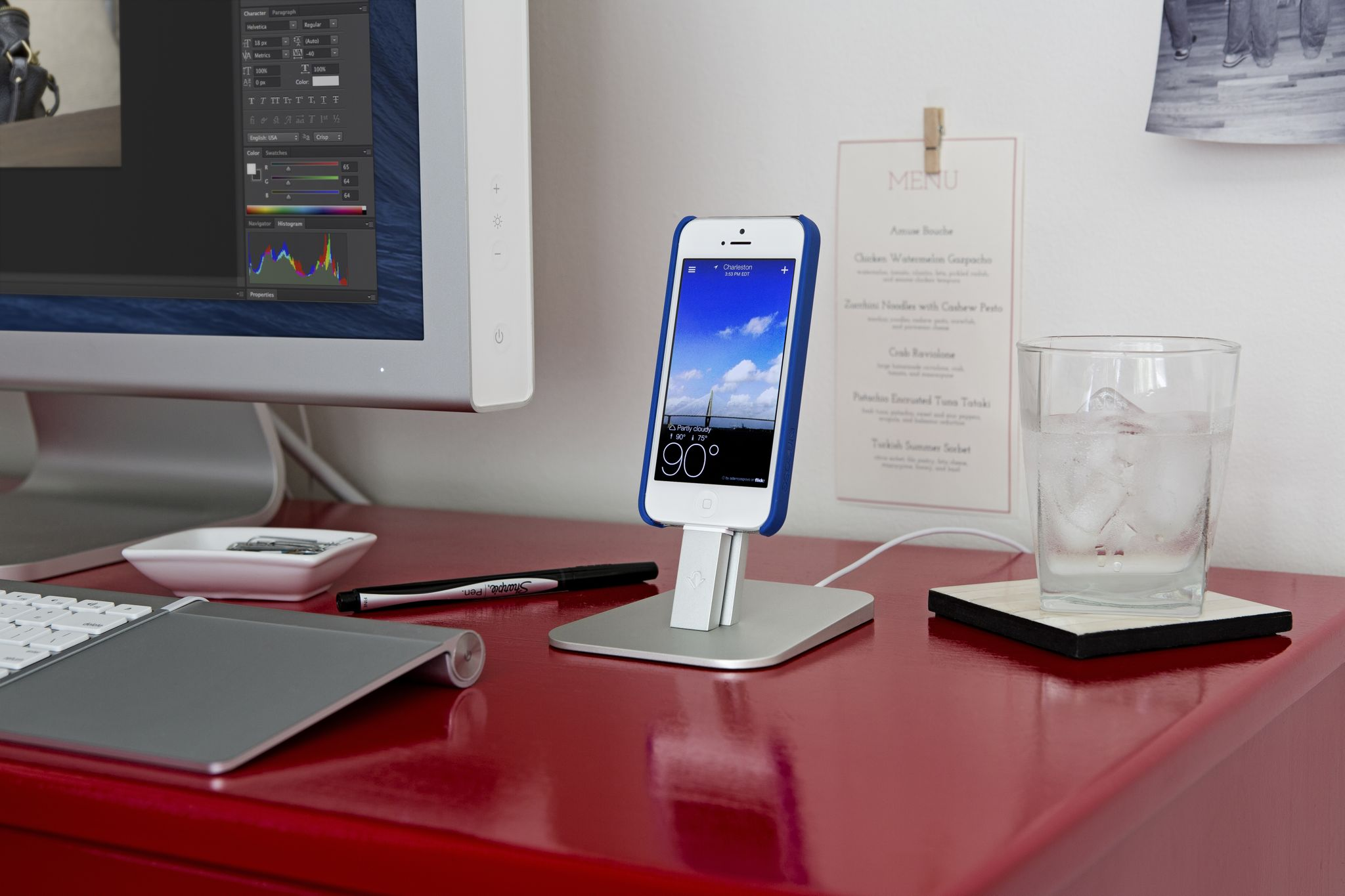 Twelve South HiRise stand (lifestyle 003)