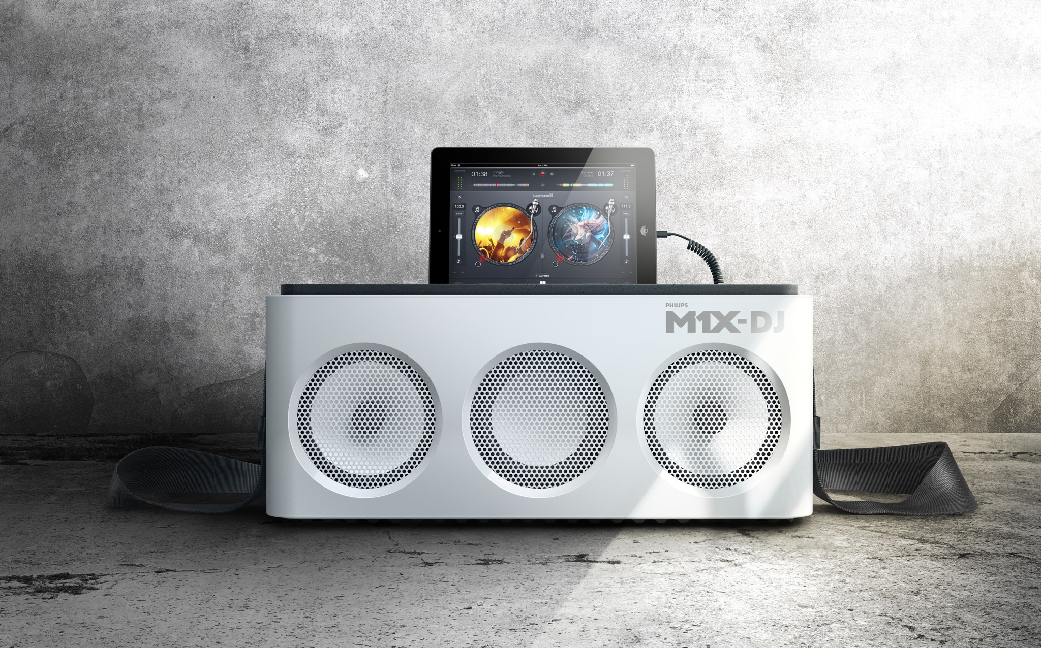 Philips M1X-DJ (front with background)