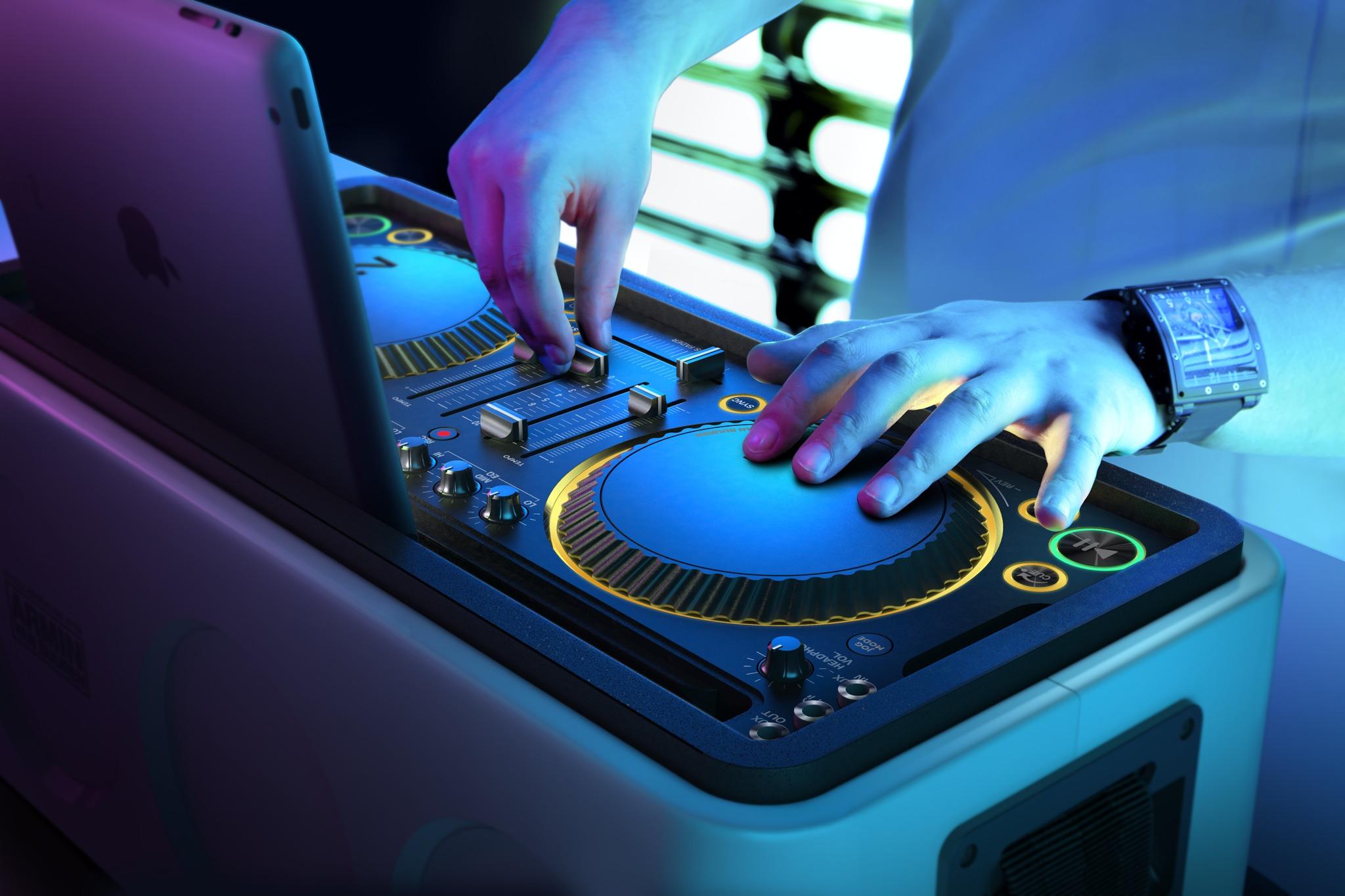 Philips M1X-DJ (lifestyle 001)