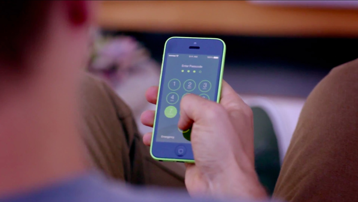 iOS 7 teaser (iPhone 5c ad 010)