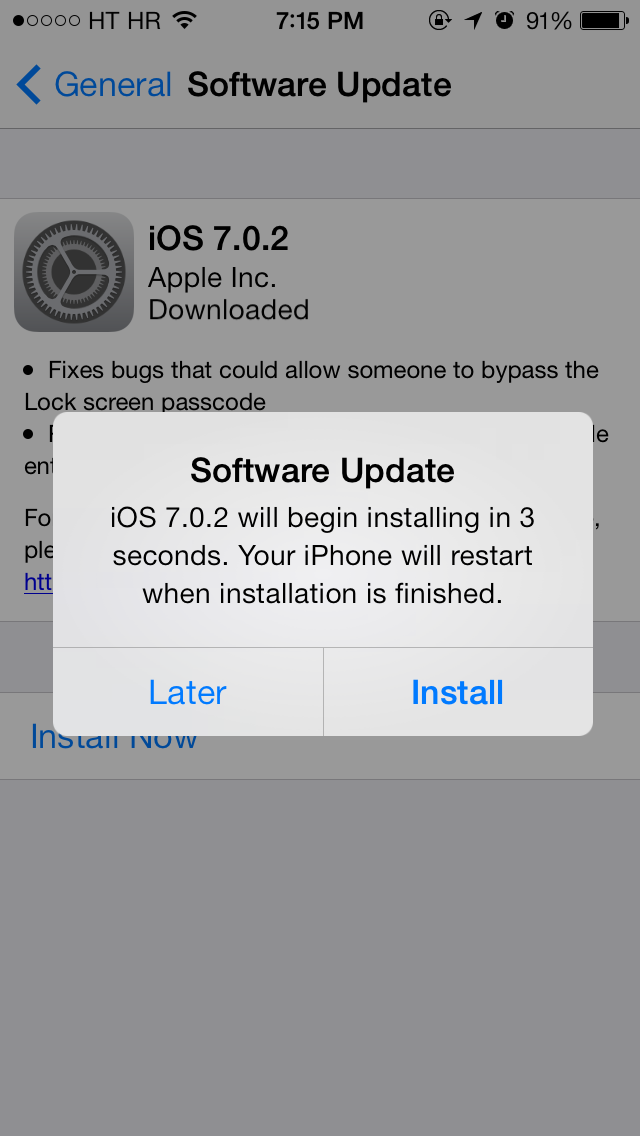 iOS 7.0.2 update prompt (iPhone screenshot 002)