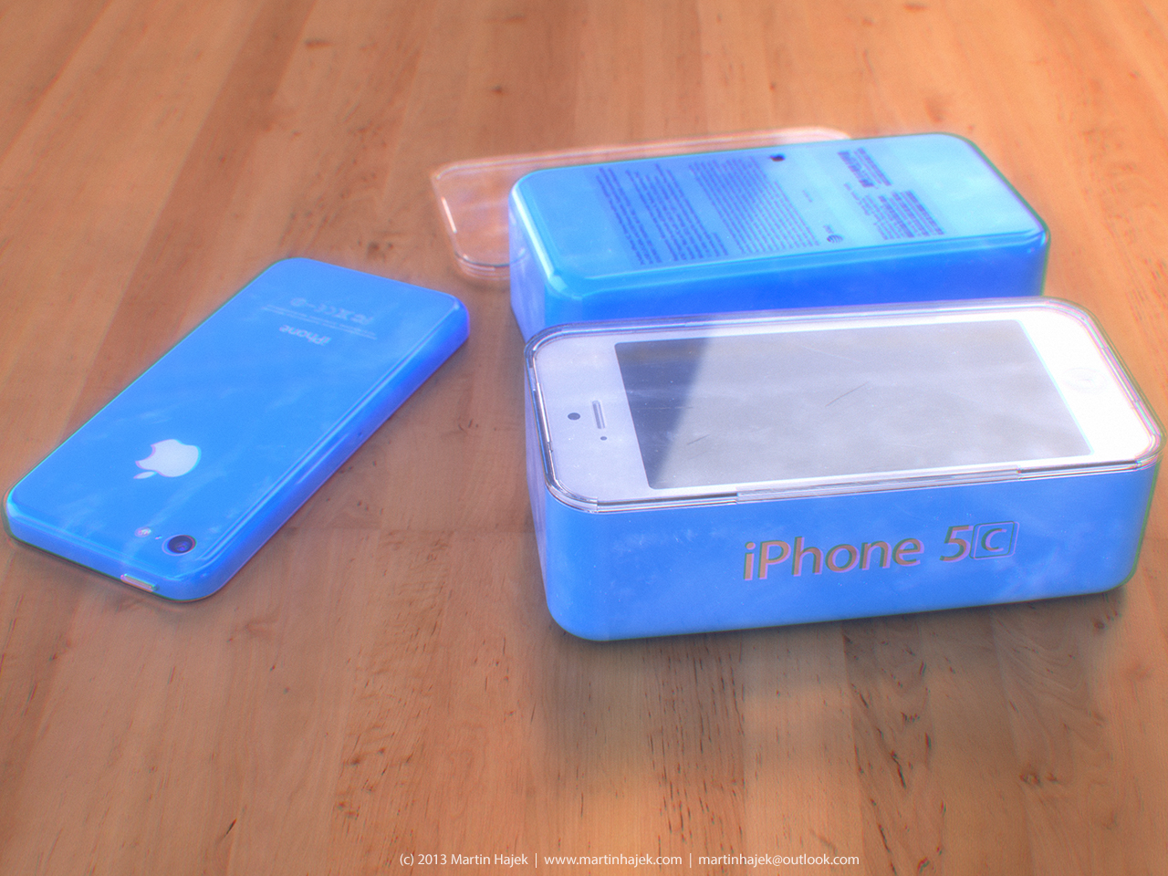 iPhone 5C (blue, packaging, Martin Hajek 003)