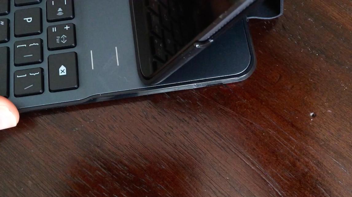 Belkin Keyboard Case 01 iPad Air