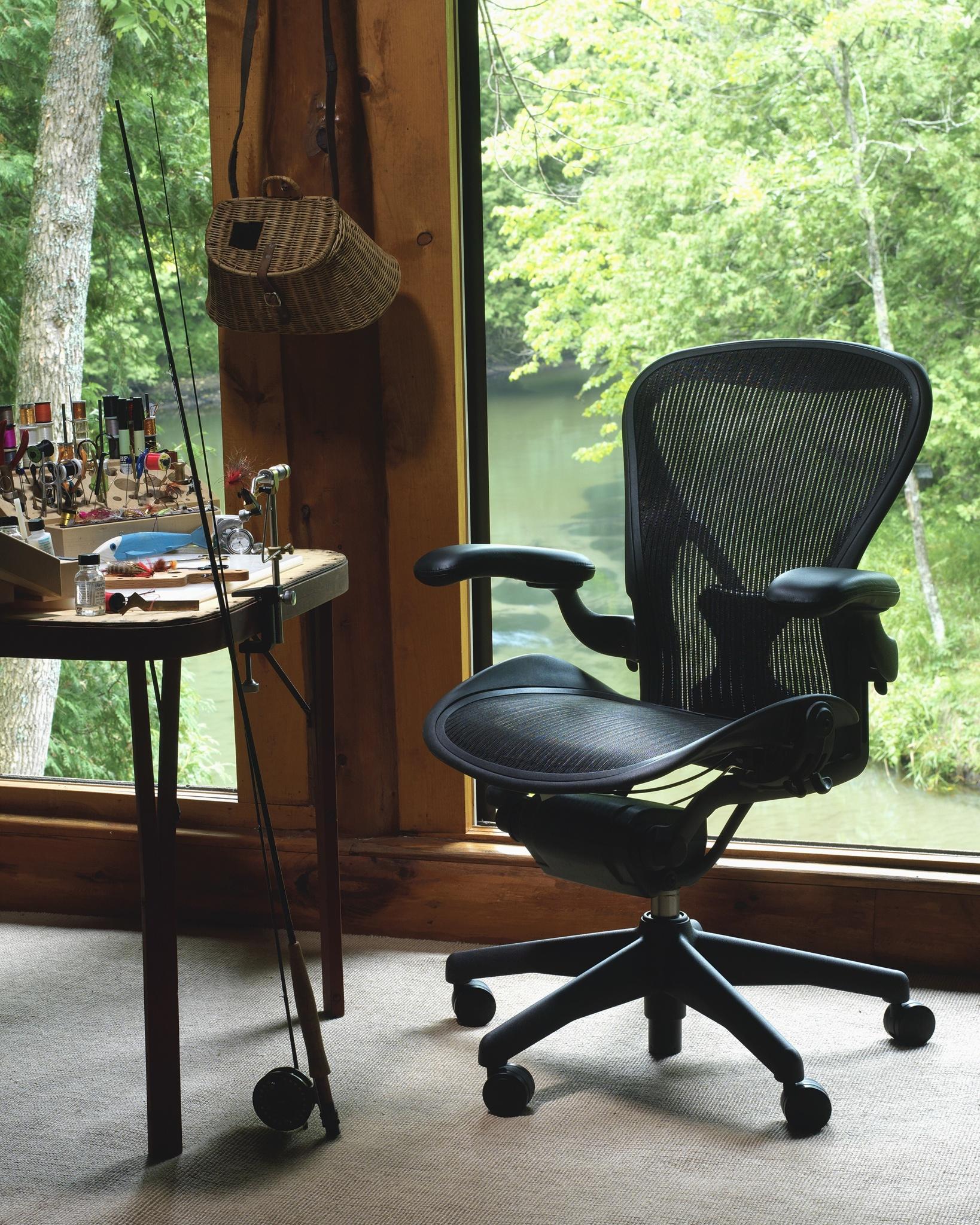 Herman Miller Aeron chair (lifestyle 001)
