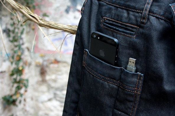 iPhone 5 in pocket