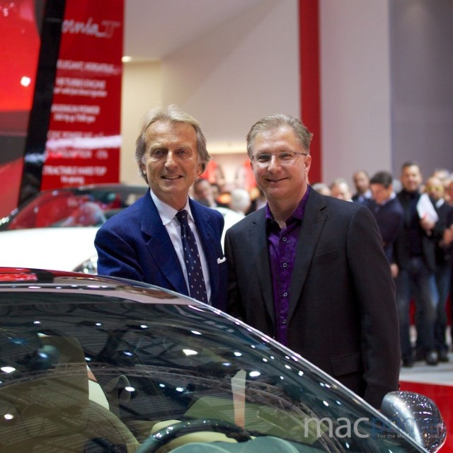 Geneva Auto Show (Ferrari FF CarPlay with Greg Joswiak, MacPrime.ch 001)