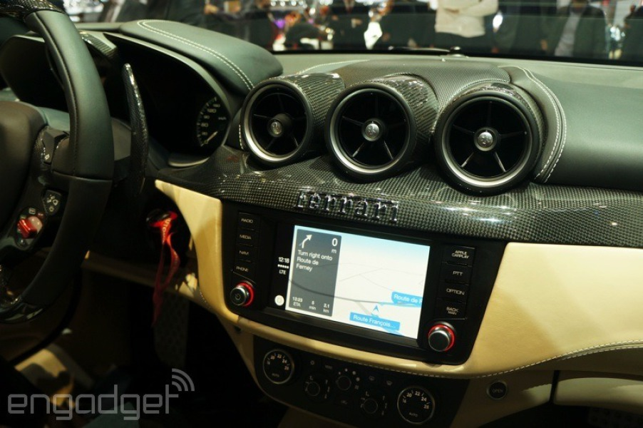 Geneva Auto Show (Ferrari FF with CarPlay, Engadget 003)