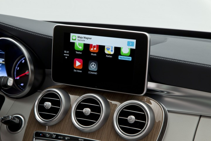 Mercedes-Benz (CarPlay 003)