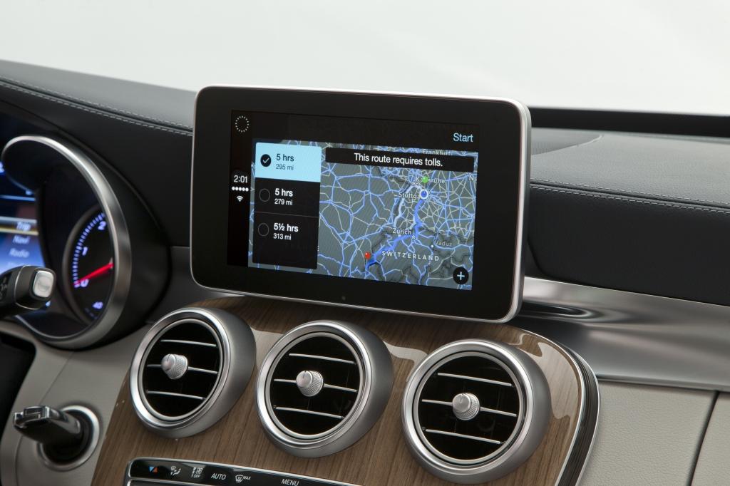 mercedes benz shows off carplay integration. Black Bedroom Furniture Sets. Home Design Ideas