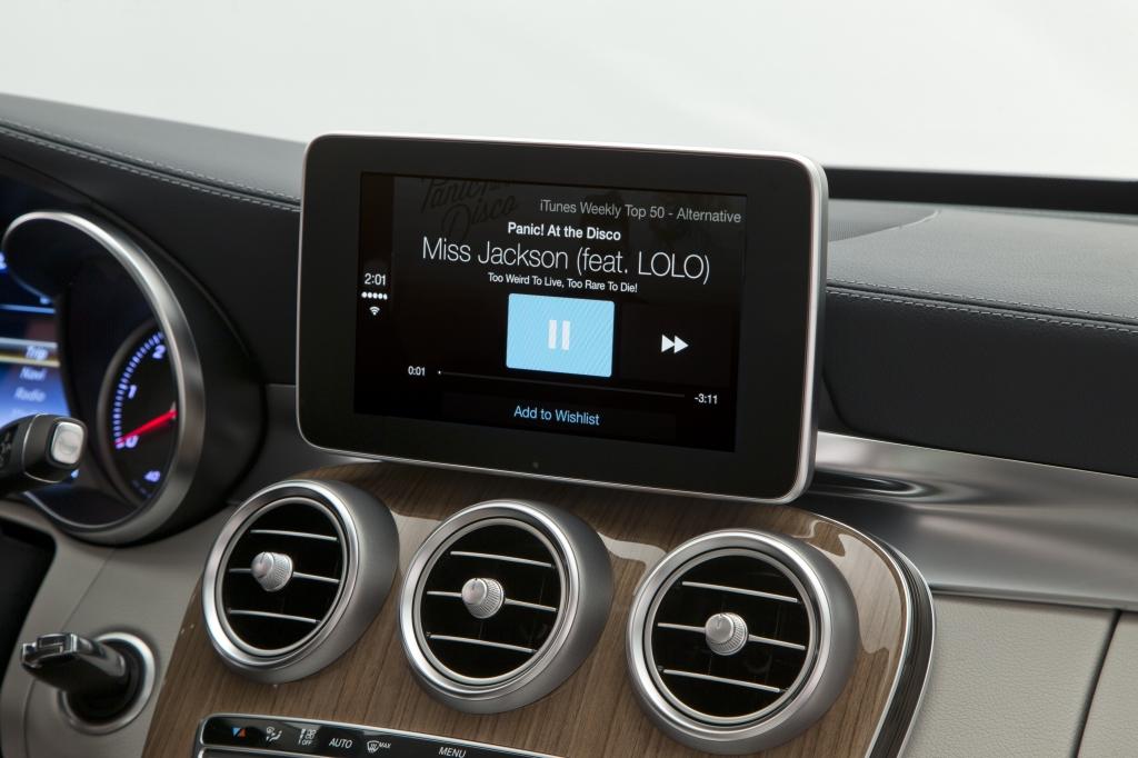 Mercedes-Benz (CarPlay 006)