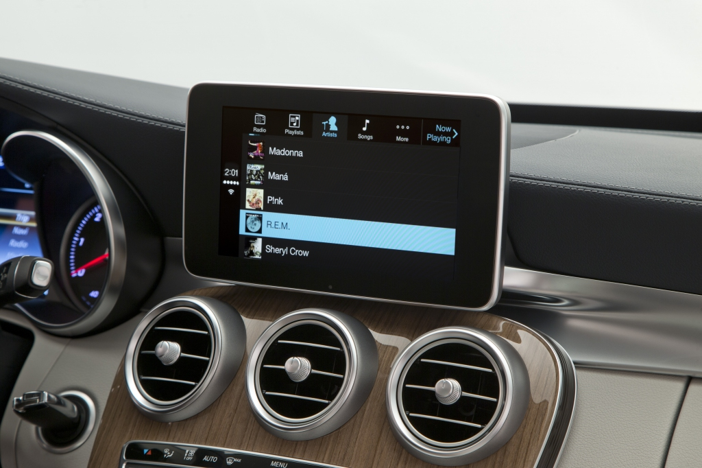 Mercedes-Benz (CarPlay 007)
