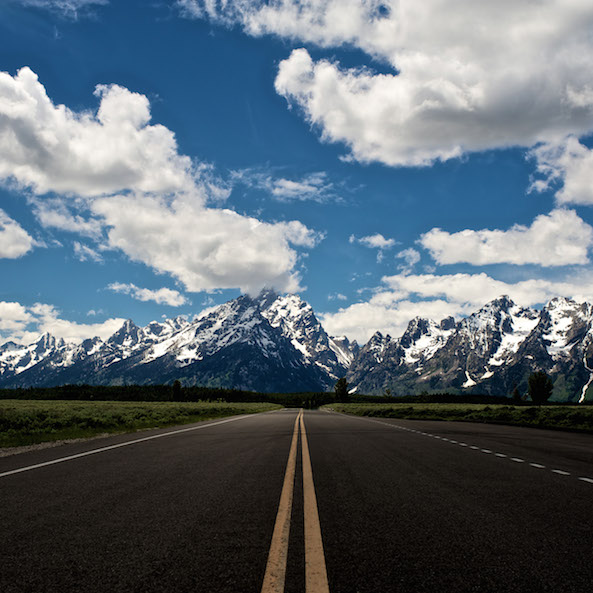 apple_wallpaper_road-to-the-sky_ipad_retina_preview