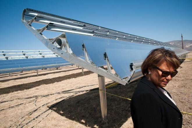 Apple data center (Reno, Nevada, solar array in Yerington, Wired 003)