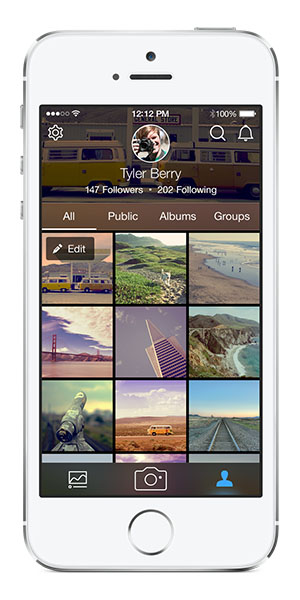 Flickr 3.0 for iOS (Simler navigation and Sharing)