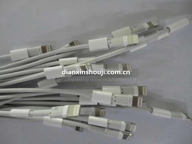 Lightning-cable-reversible-USB-NowhereElse-002