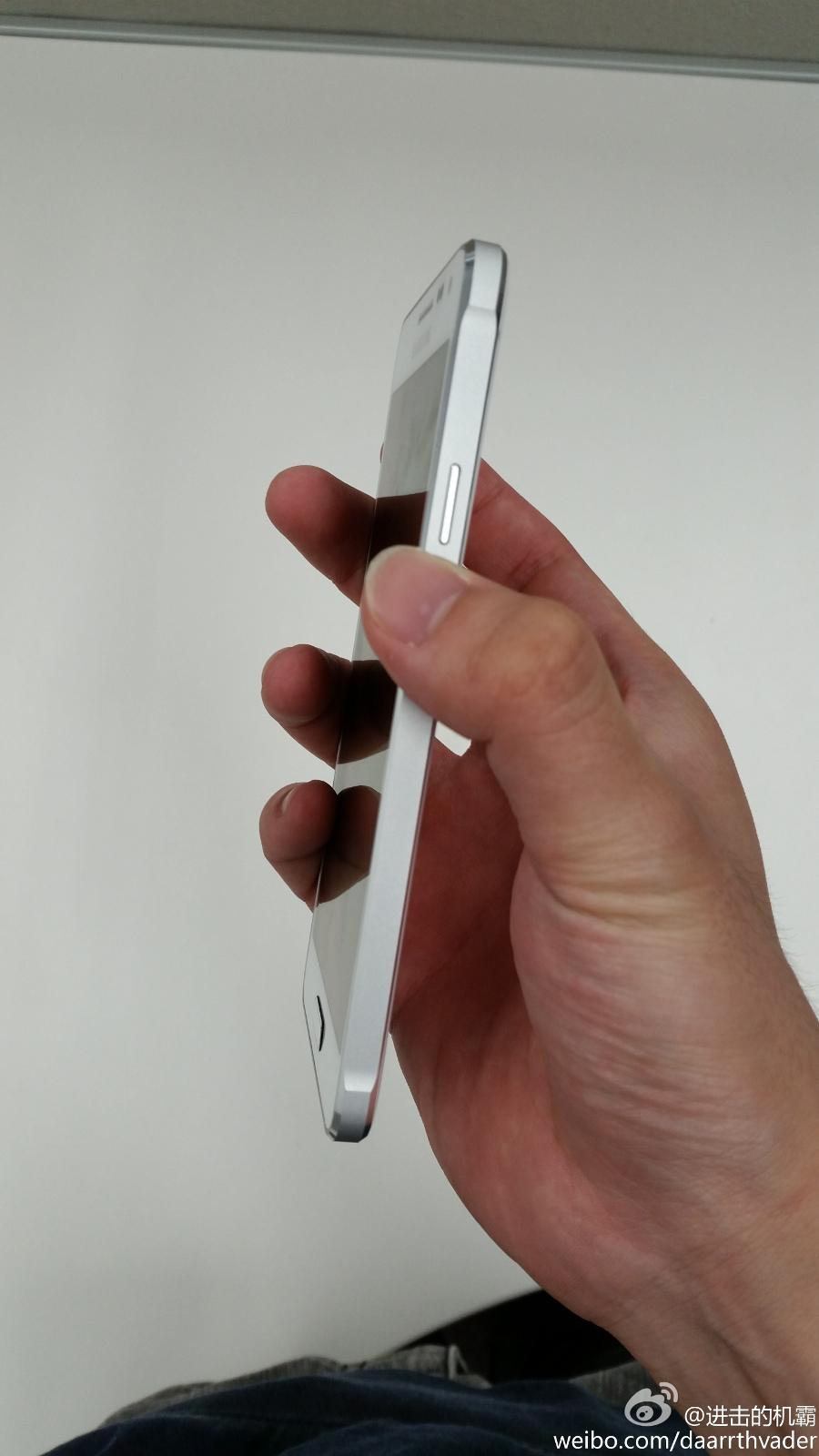 Samsung Galaxy Alpha (image 001)
