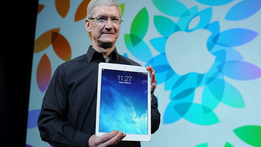 Tim Cook holding iPad Pro (Bloomberg mockup 001)
