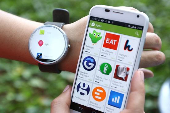 Motorola Moto 360 (smartwatch and smartphone)