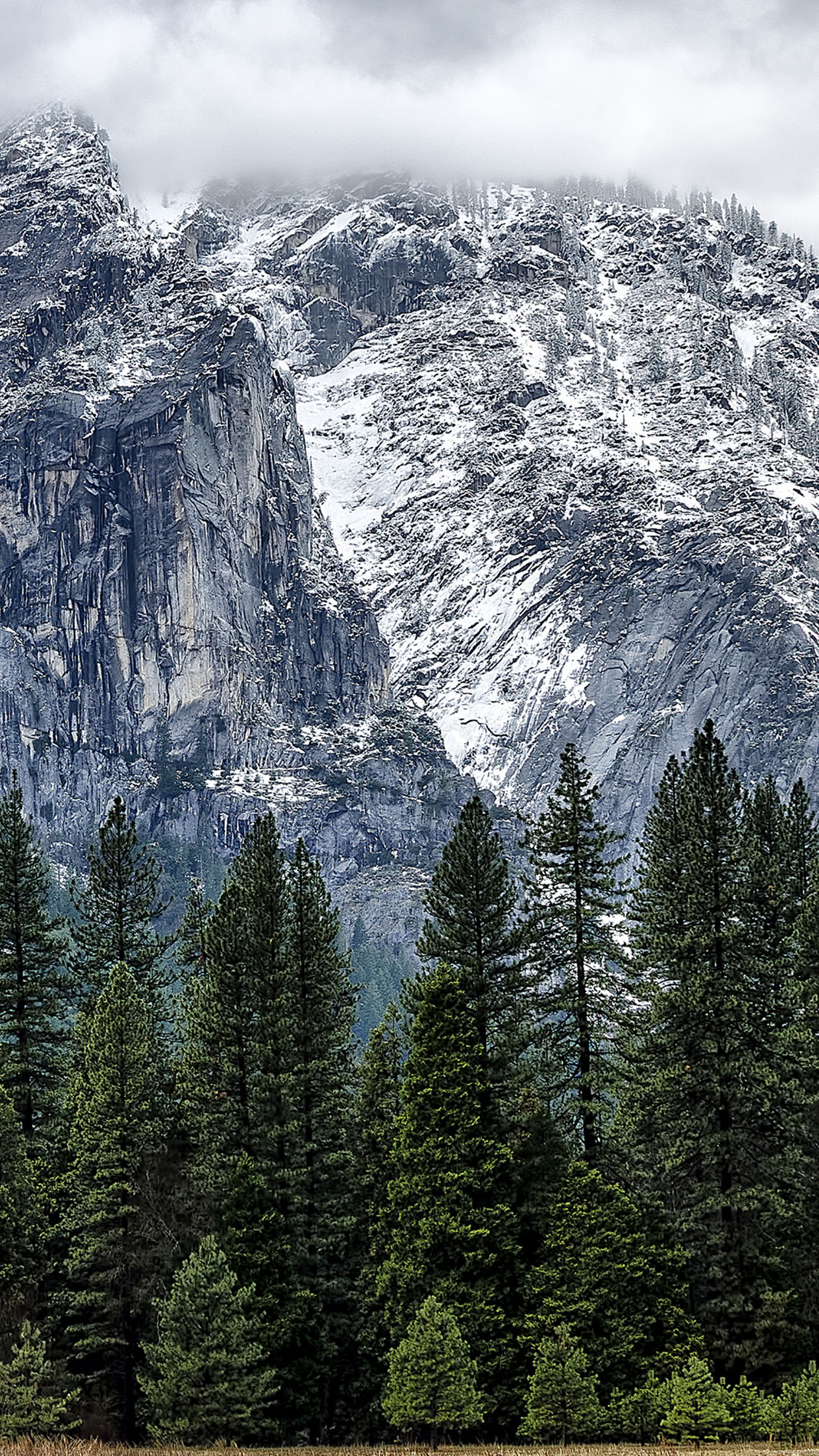 Mountains wallpapers for iPhone and iPad