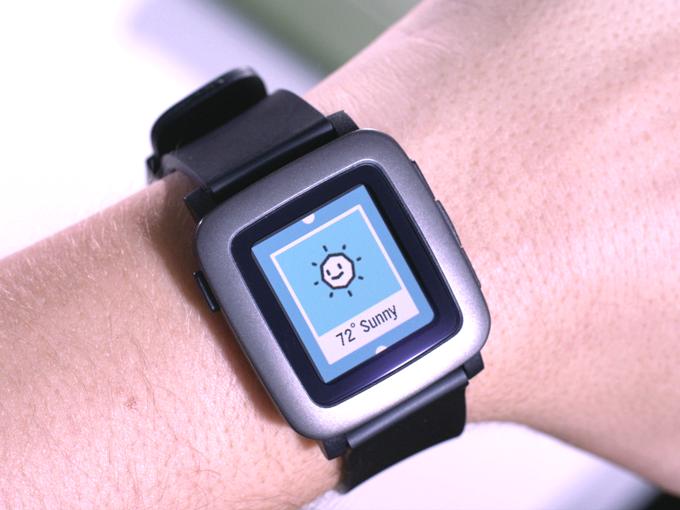 Pebble Time color e-paper screen