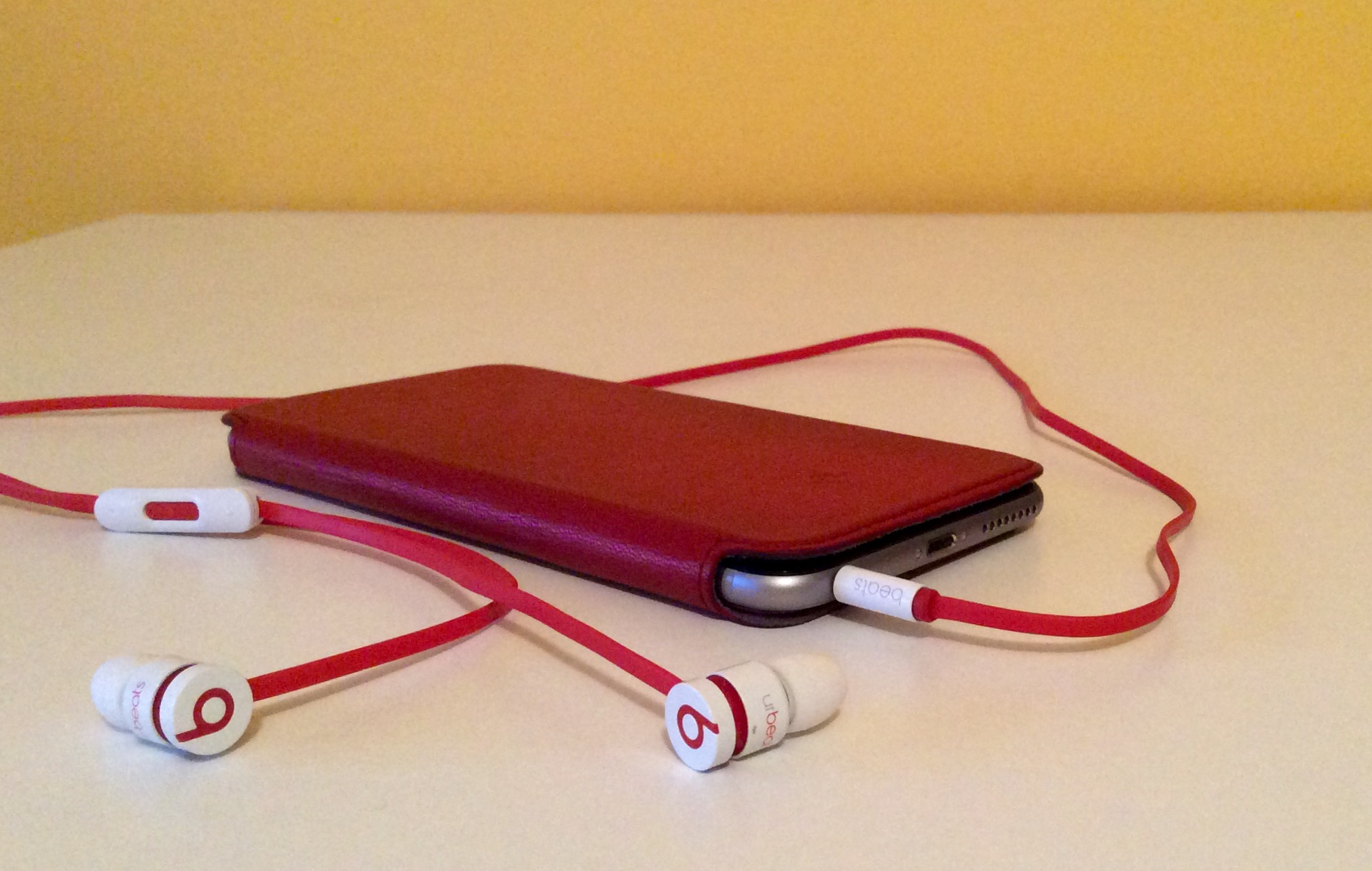 Twelve South SurfacePad for iPhone 6 Plus image 00019