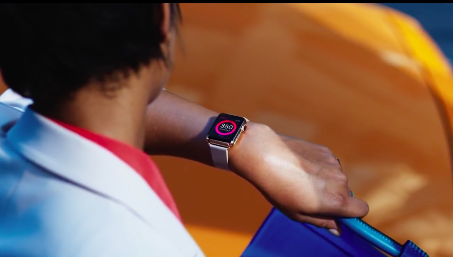 Apple Watch Sport on hand image 003