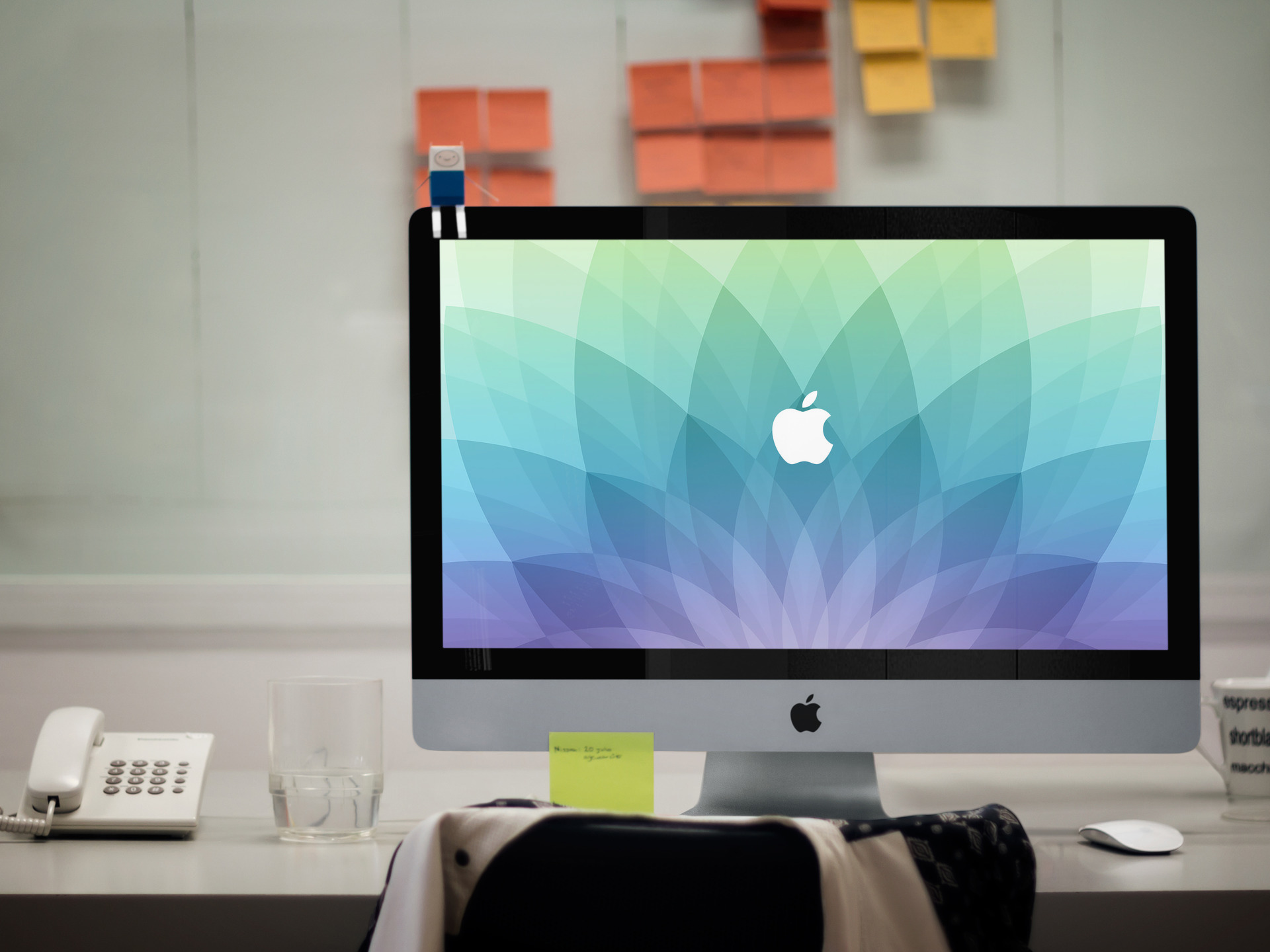 March 9 Apple Event Desktop Wallpaper splash
