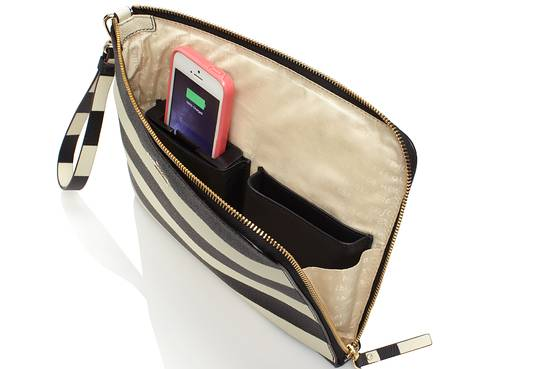 Kate Spade New York iPhone-charging purse image 001