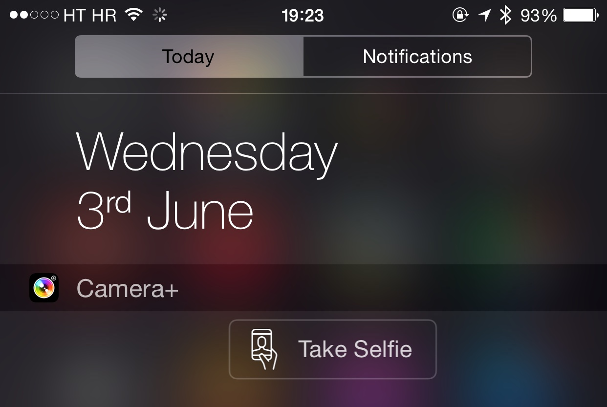 Camera Plus for iPhone selfie widget button