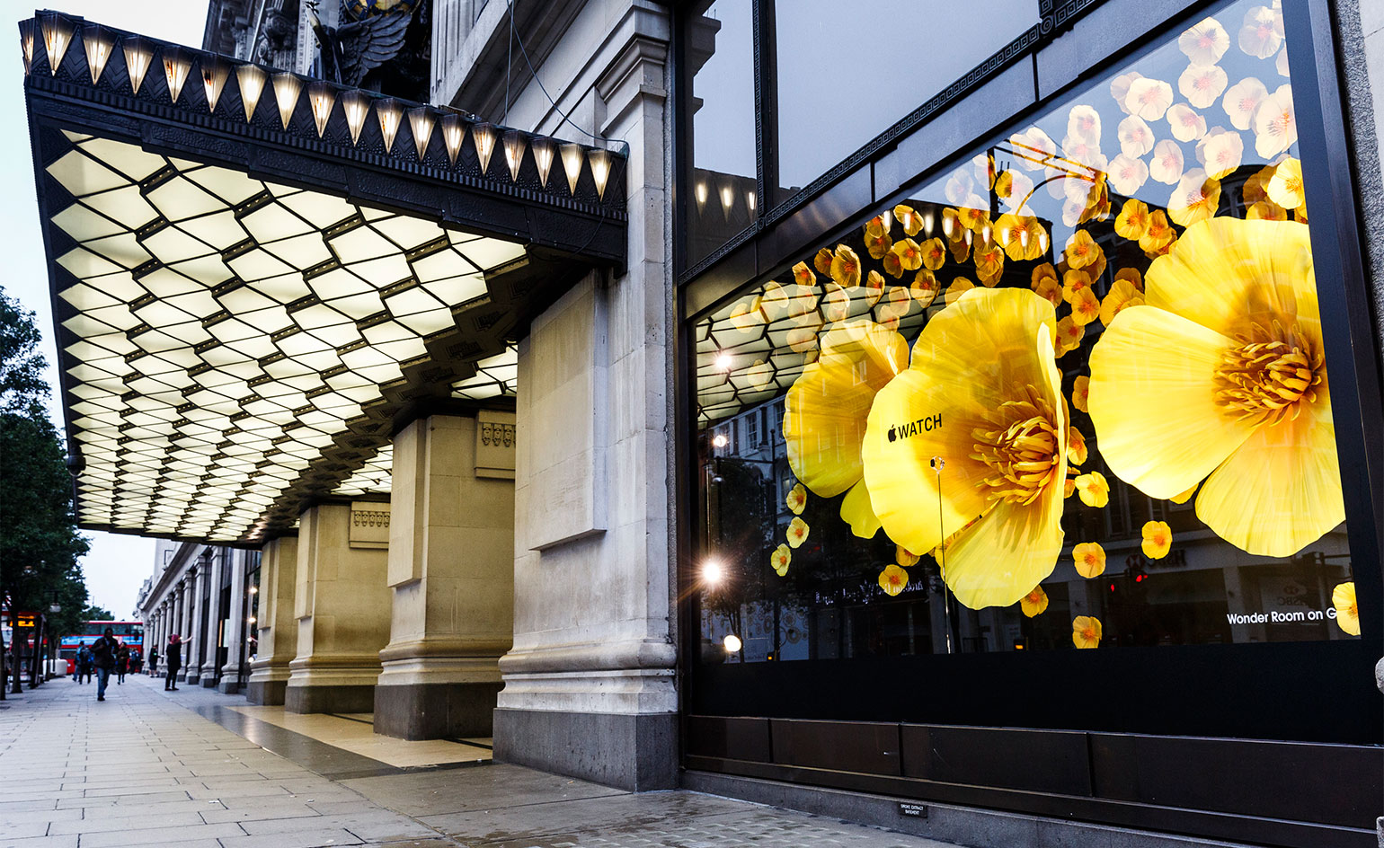 Selfridges Apple Watch floral display 003